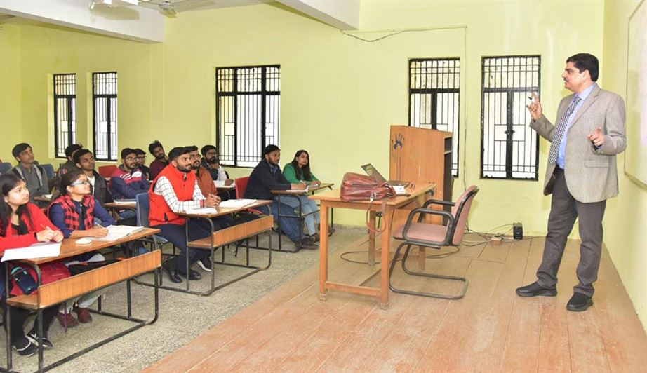 Vice-Chancellor taking class in Department of Business Administration